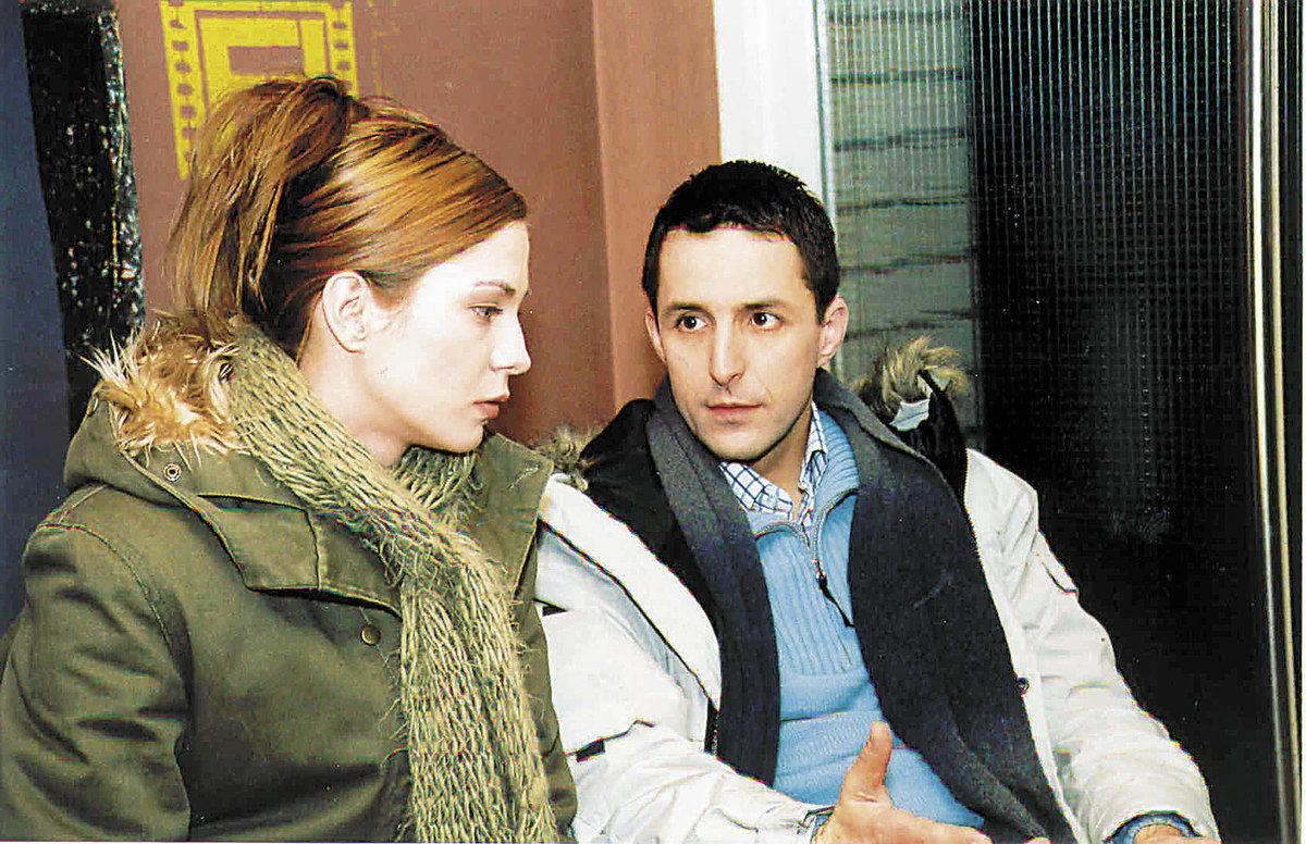 2004 - Klára Jandová a Tomáš Krejčíř v seriálu Rodinná pouta