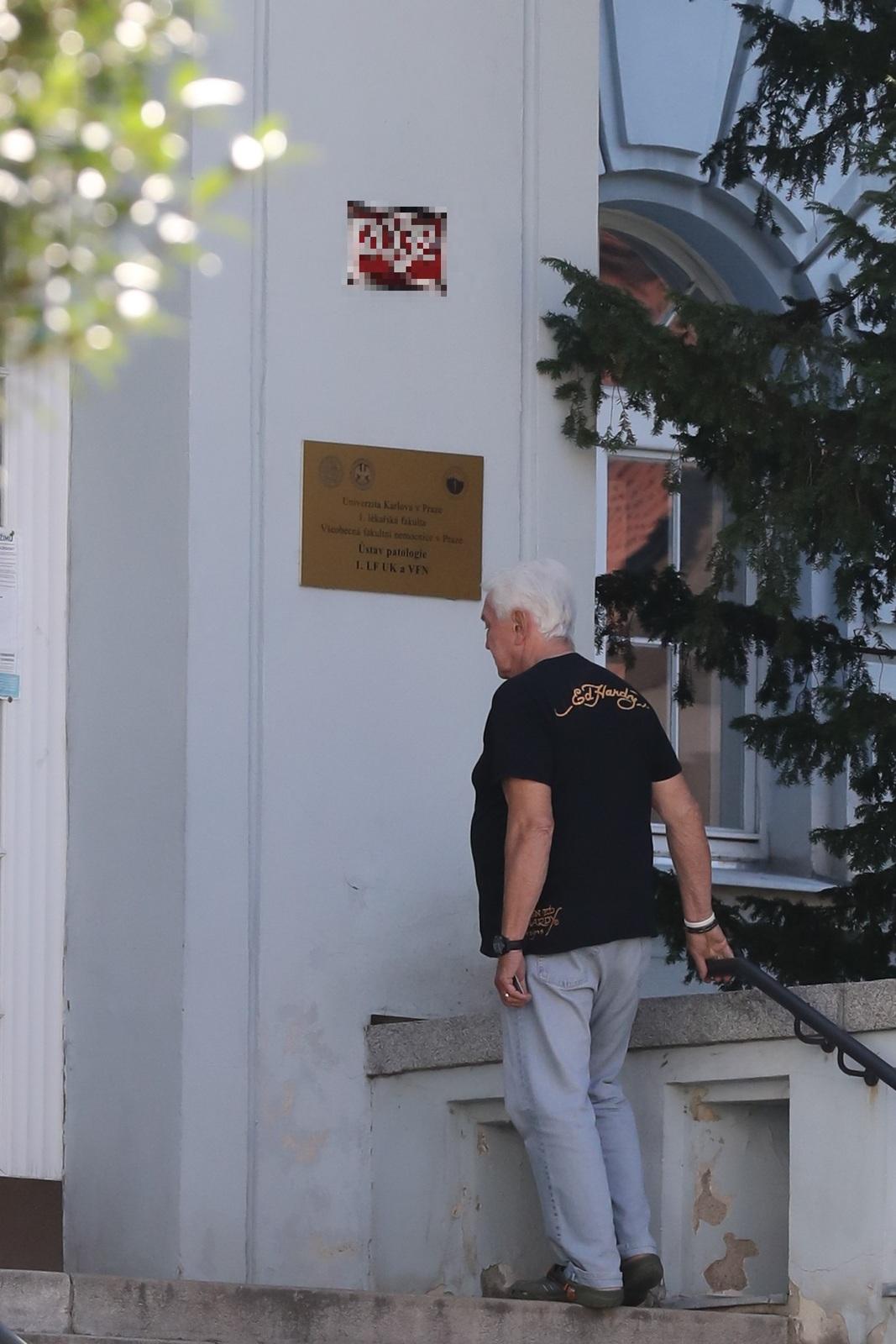 Jiří Krampol na patologii