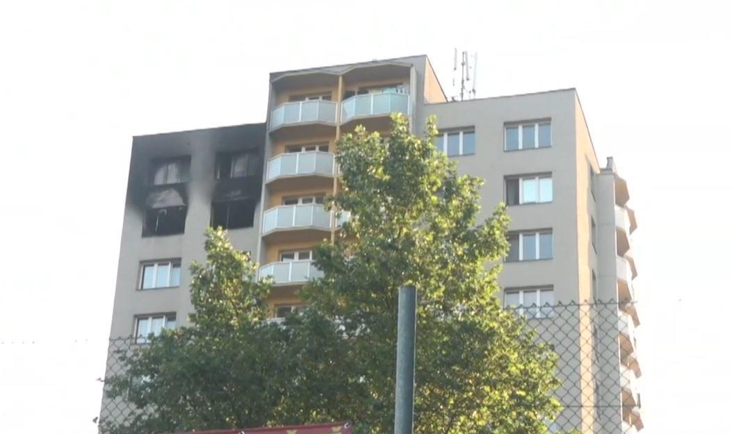 Jedenáct mrtvých po požáru v Bohumíně: Lidé prý před plameny skákal