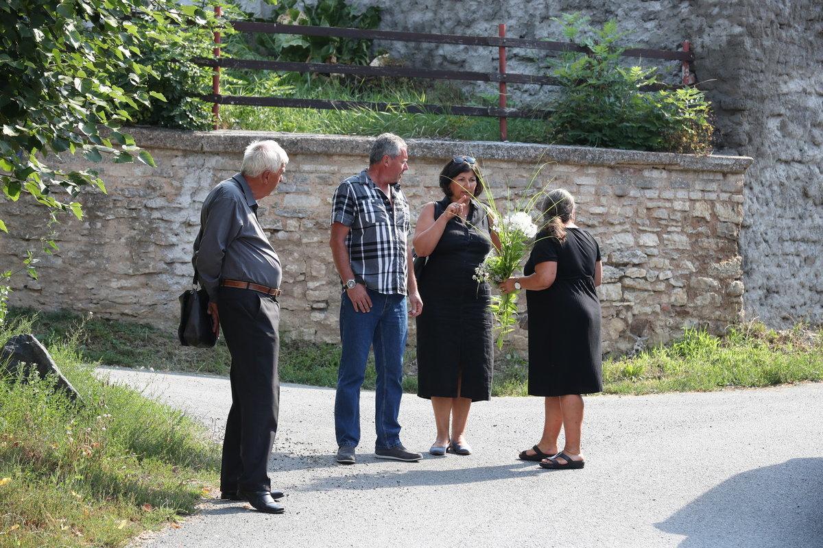 Poslední rozloučení s Hanou Krampolovou (†59), které Jiří Krampol uspořádal místo pohřbu.