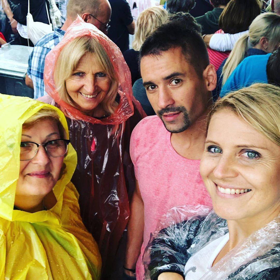 Lucie Šafářová a Tomáš Plekanec se svými maminkami