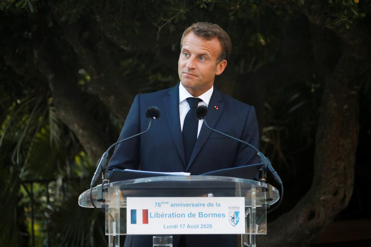 Prezident Macron s manželkou se účastnil oslav 76. výročí Spojenců v Provence, (17.08.2020).
