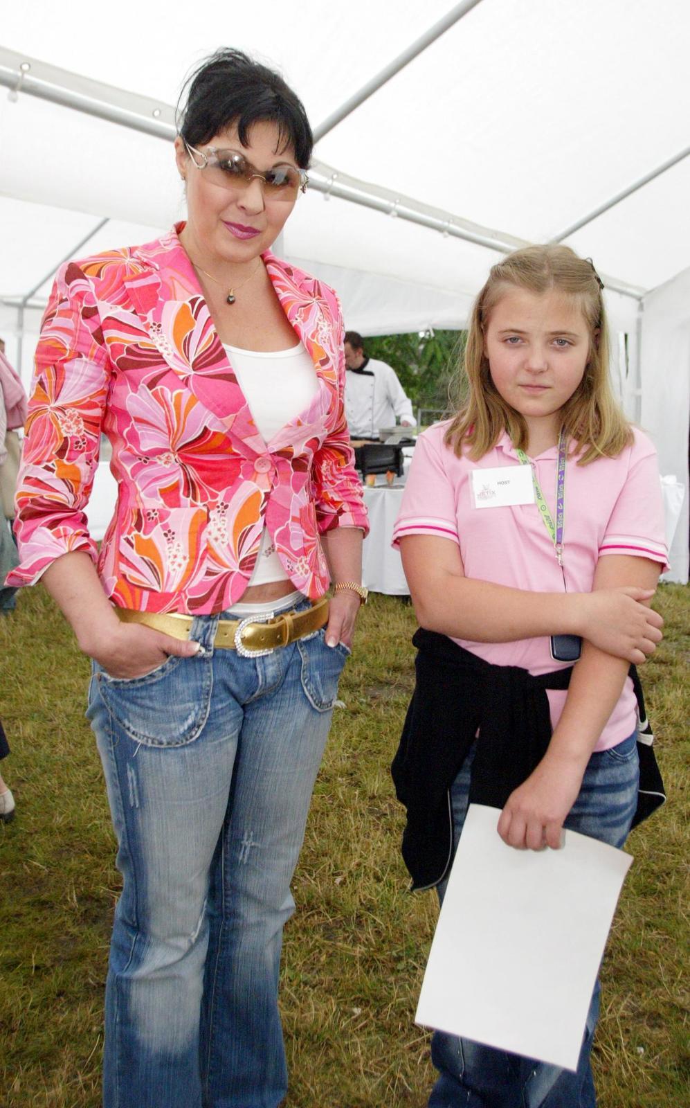 Obě v růžovém - v roce 2005