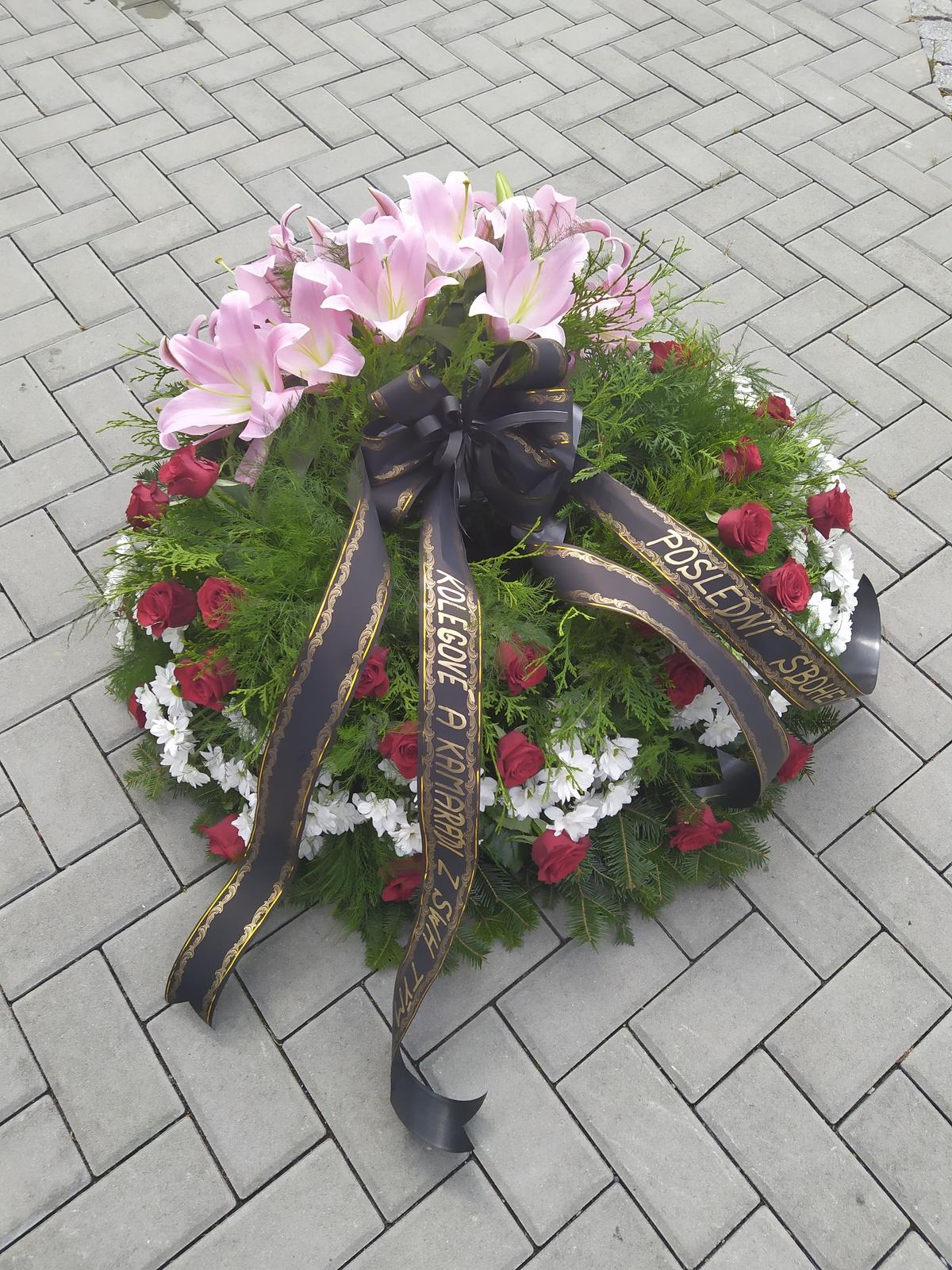Pohřeb tří obětí v Karviné.