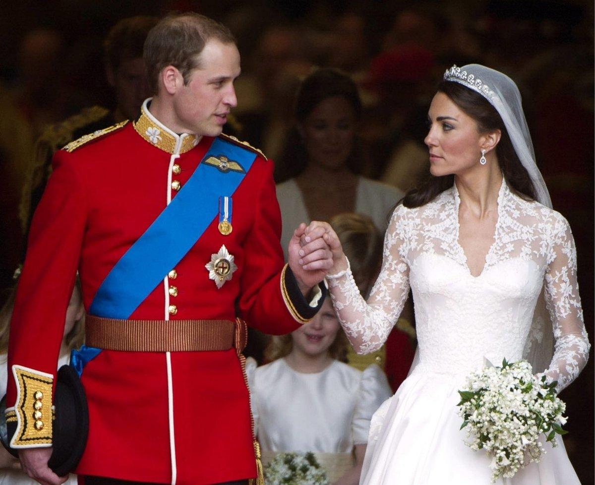 Svatební náušnice dostala vévodkyně od svých rodičů.