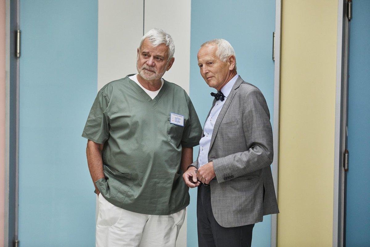 Kardiochirurg Jan Pirk v Ordinaci v růžové zahradě 2 s Petrem Štěpánkem