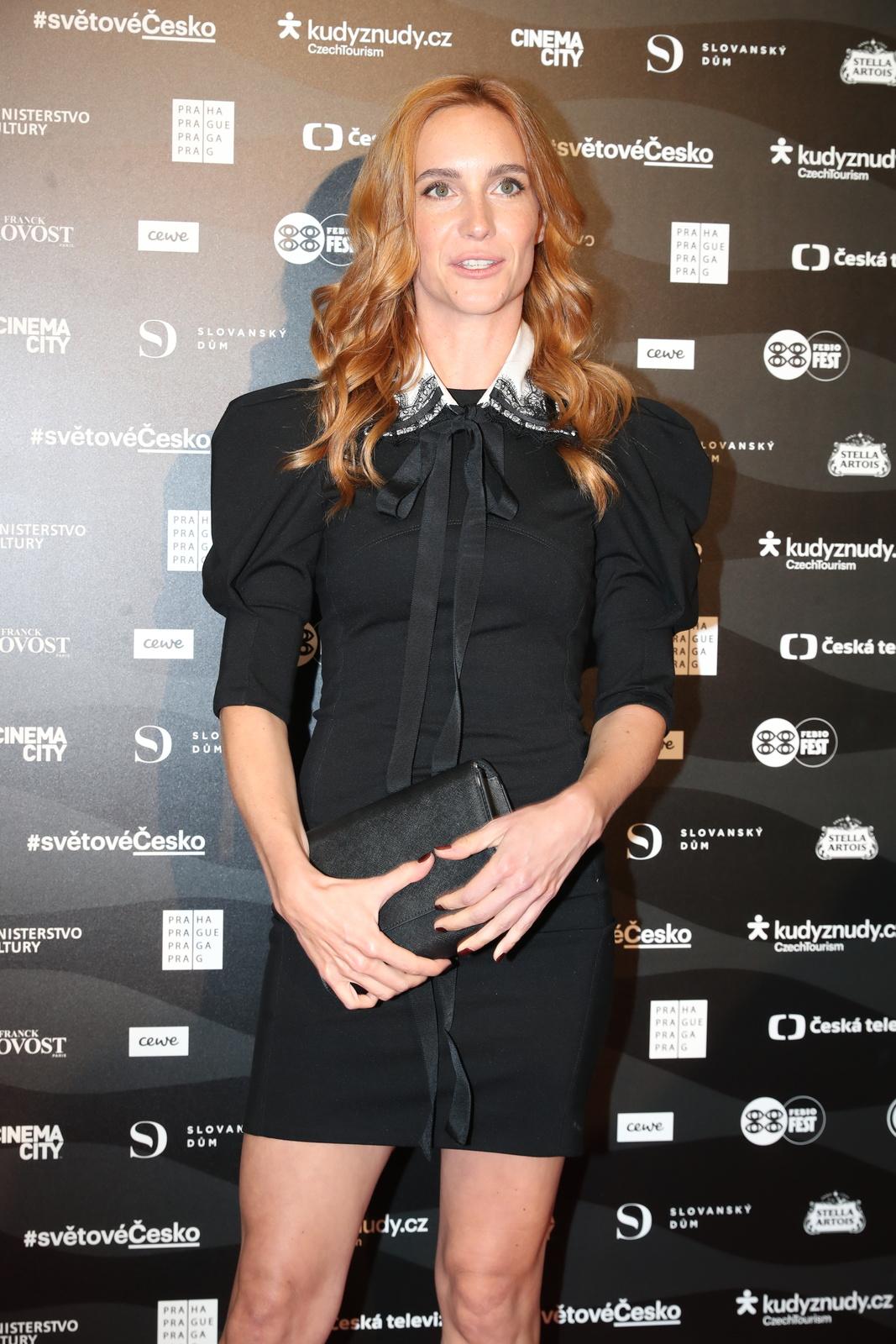 Hana Vagnerová na premiéře filmu Karel.
