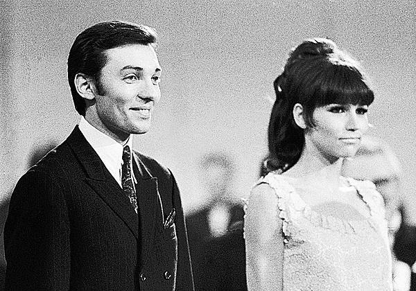 Zlatý slavík 1966: Marta Kubišová se s Karlem Gottem umístili na prvním místě. Prvenství společně obhájili ještě v letech 1968, 1969 a v roce 1970.