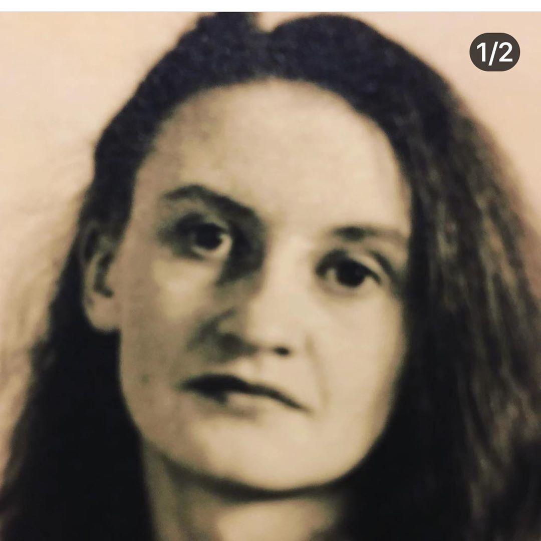 Mladičká Eva Holubová