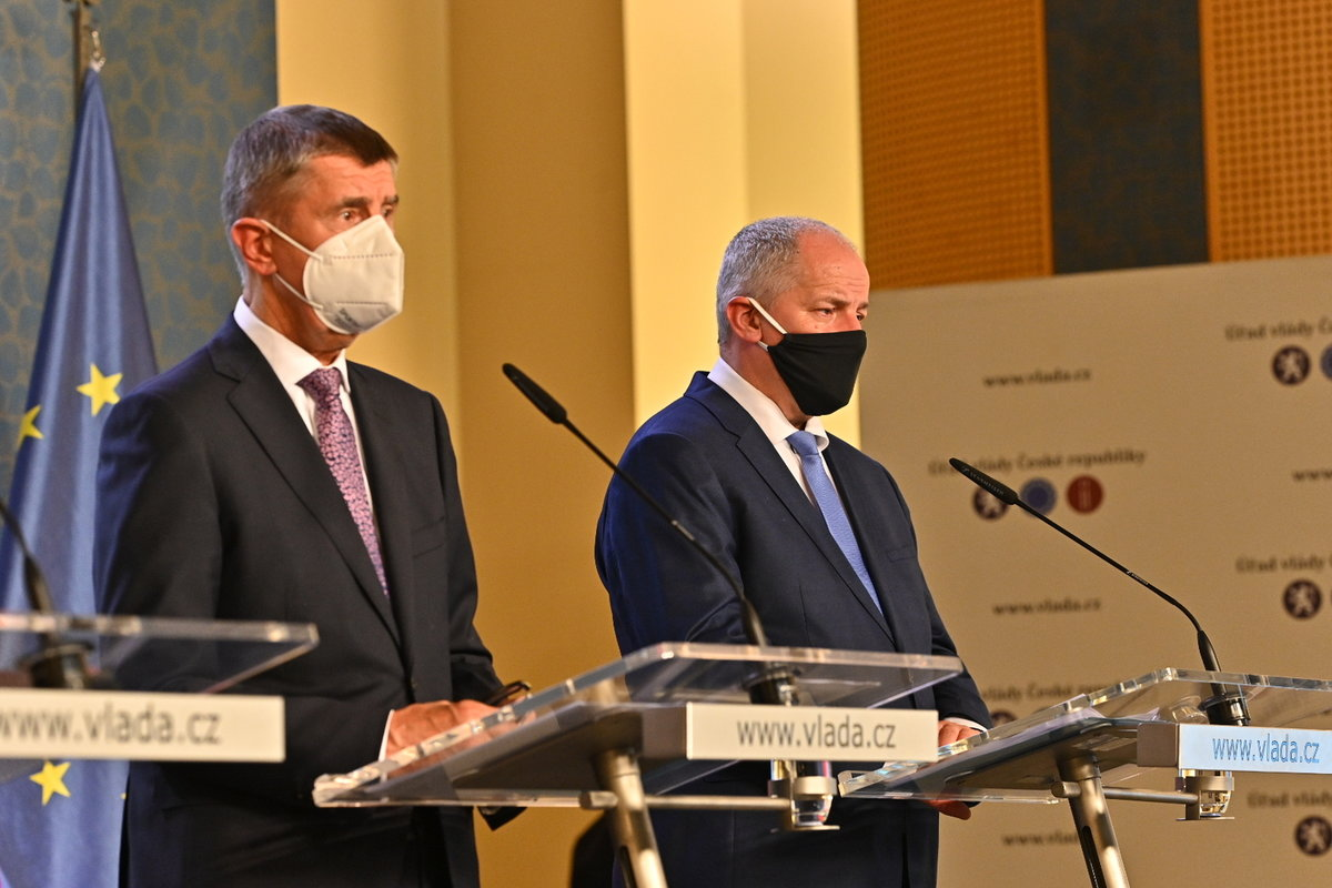 Vláda zpřísnila koronavirová opatření: Andrej Babiš a Roman Prymula na tiskovce (12.10.2020)