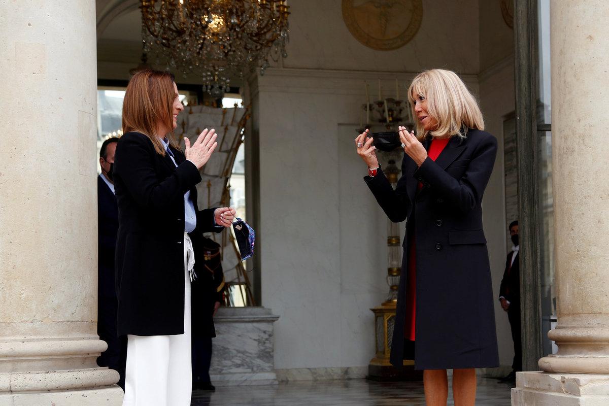 První dáma Francie Brigitte Macronová v Elysejském paláci hostila první dámu Mexika Beatriz Gutiérrezovou Müllerovou