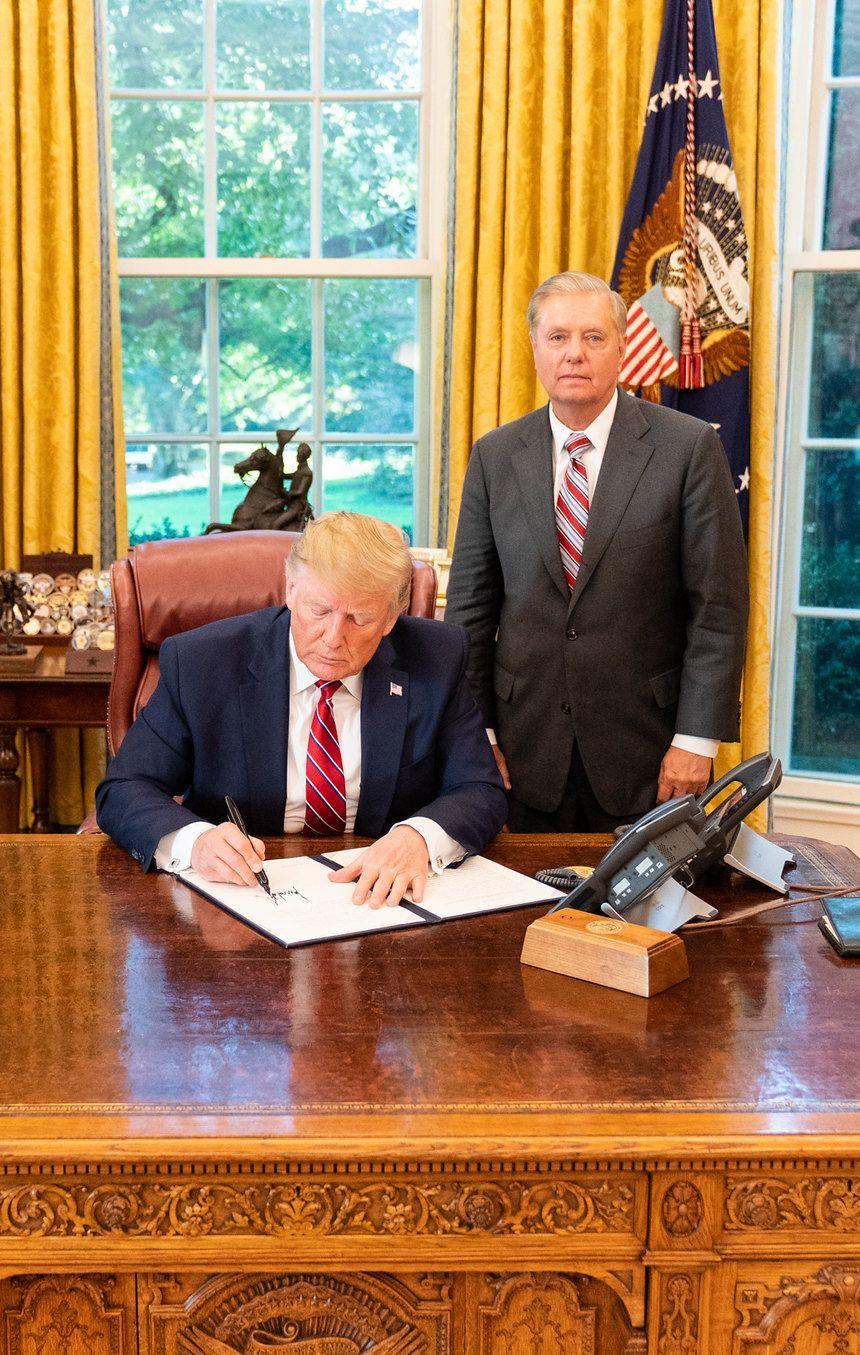 Senátor Lindsey Graham byl poslední roky pevným spojencem prezidenta. Teď si však dává pozor.