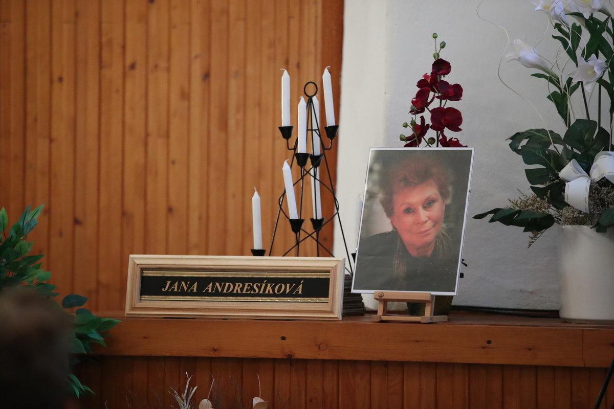 Pohřeb herečky Jany Andresíkové (†79)