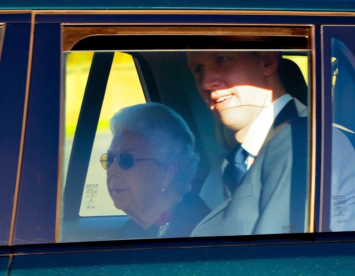 Královna Alžběta truchlí pro zesnulou sestřenici Lady Elizabeth Shakerley