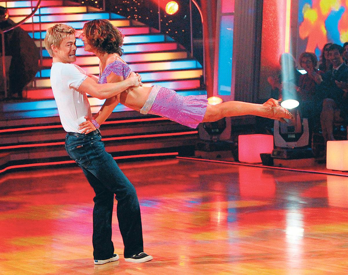 Jennifer se soutěžním tanečním partnerem Derekem Houghem