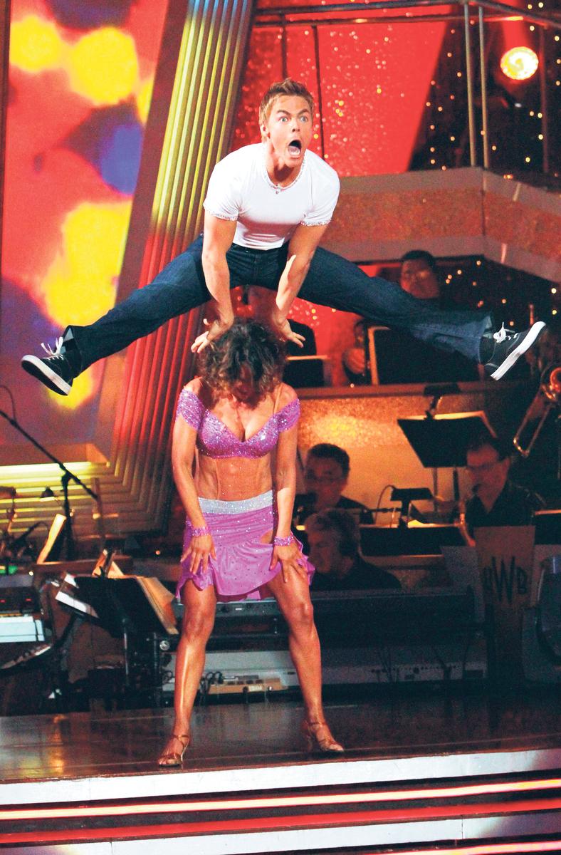Jennifer Grey se soutěžním tanečním partnerem Derekem Houghem