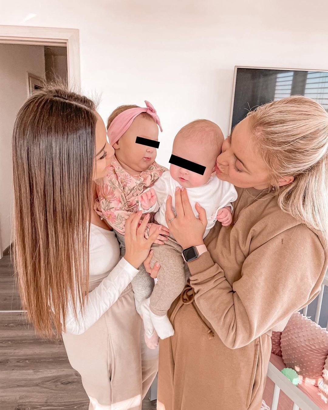 Monika Bagárová a Markéta Konvičková seznámily své dcerky.