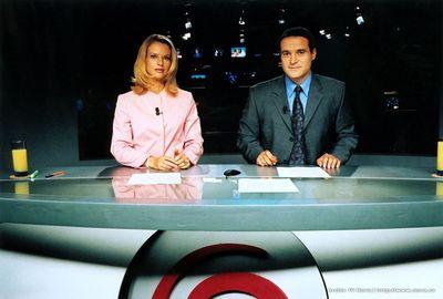 Moderátoři Televizních novin Pavla Charvátová a Pavel Zuna
