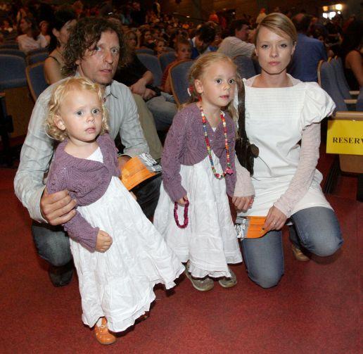 David Prachař a Linda Rybová s dětmi.