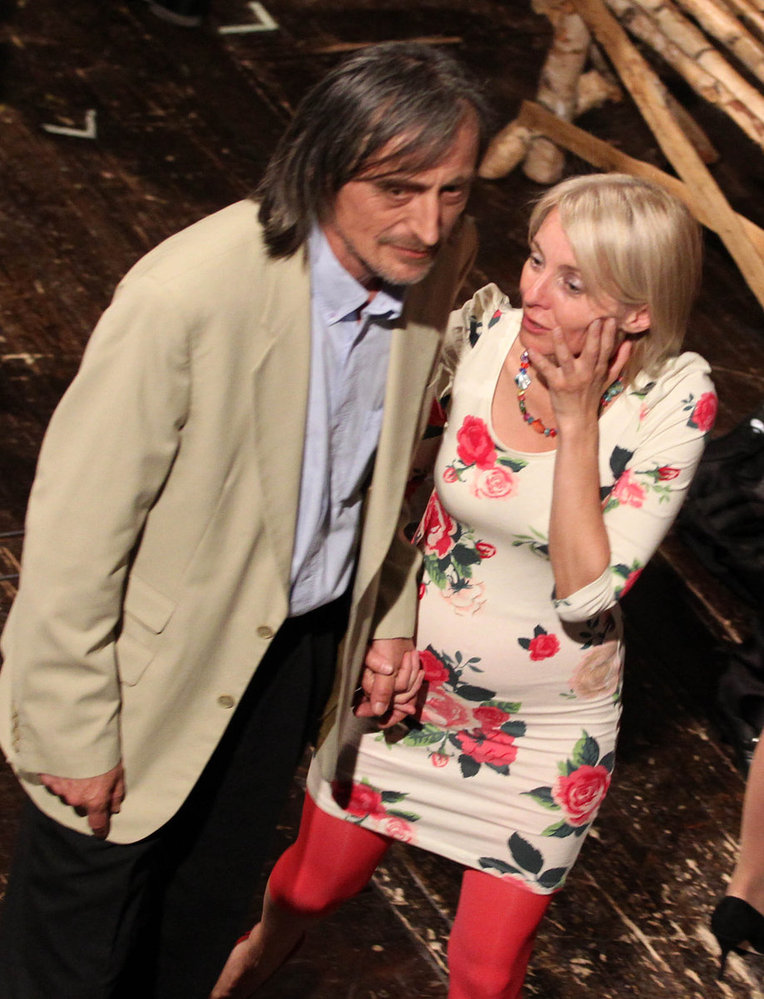 Martin Stropnický se svou manželkou Veronikou Žilkovou živě o představení diskutovali.