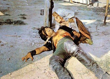 Ve filmu Gemma také zemřel.