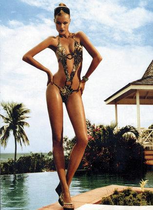 Houdová byla jako modelka žádaná v celém světě.