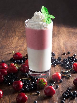 Svěží mléčný drink pro letní osvěžení.