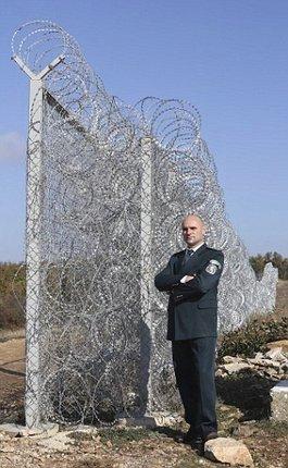 Plot jako z koncentráku! To je bulharská odpověď uprchlíkům.
