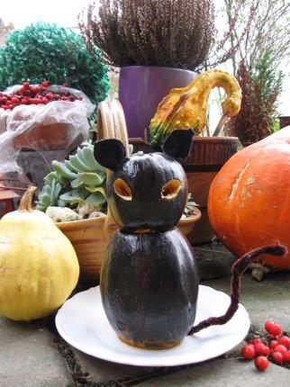 Vyrobte si k Halloweenu černou kočku z dýně!