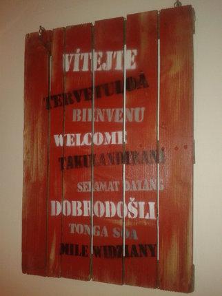 Jak vyrobit vítací tabuli z dřevěných palet?
