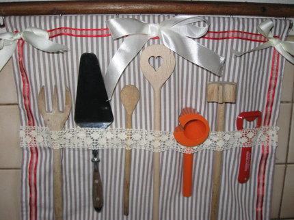 Tip pro hospodyňky - retrokapsář do kuchyně.