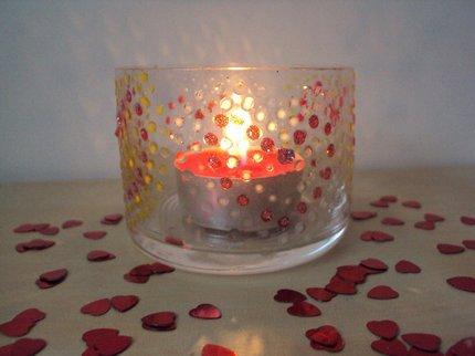 Vyrobte si valentýnský svícenek pro romantiky. Valentýn se blíží!