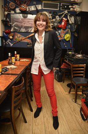 Herečka Michaela Dolinová (51) si oblékla model, který ladí i barevně.