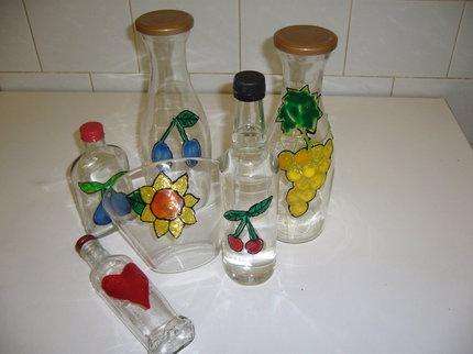 Staré lahve se mohou stát ozdobou vaší kuchyně.