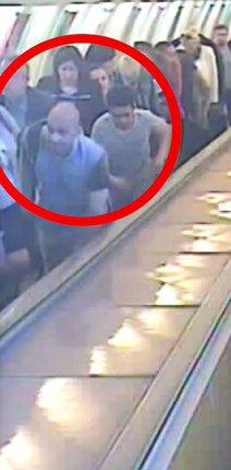 Nebezpečné lupiče zachytily kamery v metru.