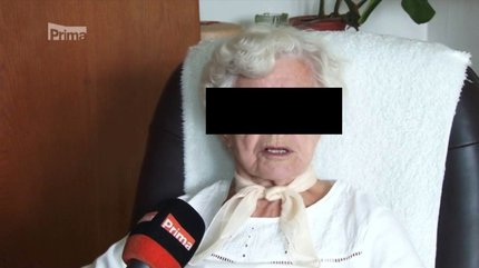 Seniorka se lupiči ubránila a dokázala ho zadržet.