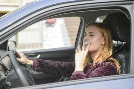 V tomto jsme unijními »premianty«...Kouříme a tloustneme