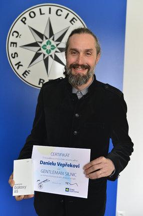 Daniel Vepřek má z ocenění radost.