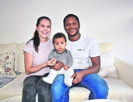 Lékař Munachiso Iheme Ndukwe s manželkou Veronikou  a dcerkou Adaorou (8 měsíců).