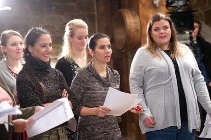 Eva s kolegy v seriálu Slunečná