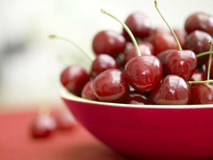 Třešně jsou plody léta.