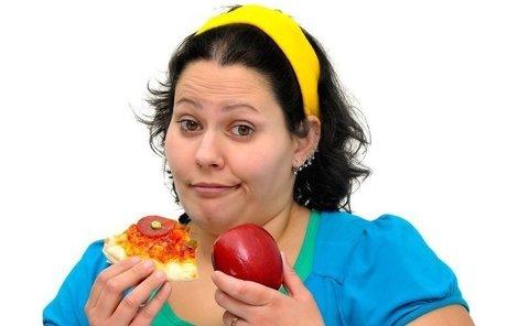 Spíše než genetika může často za obezitu nevhodná strava.