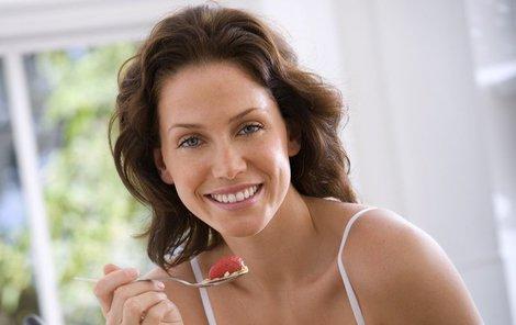 Při dovolené dodržujte zásady zdravého stravování, rozhodně se vám to vyplatí.