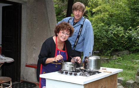 Vydra a Boušková se ukázali jako velmi zdatní hostitelé, kteří připravili menu o pěti chodech.