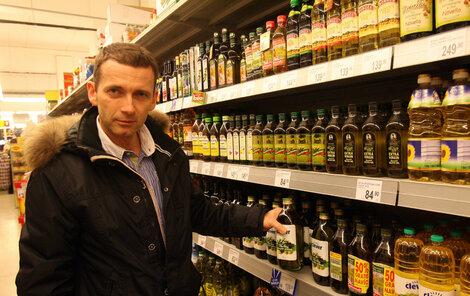 """Petr Havlíček: """"Mohu doporučit především olivový olej, bez příchutě, extra virgin (virgin – panenský, pozn. red), za studena lisovaný, z prvního lisování, kvalitní olej, a to spíše na studenou kuchyni. Na teplou kuchyni je vhodný olej z druhého lisování, který je podstatně levnější."""""""