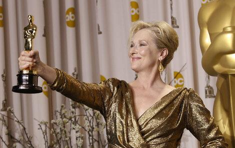 Meryl Streep s Oscarem za »Železnou lady«.