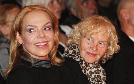 Dagmar Havlová s maminkou.