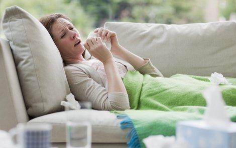 Trávit léto v posteli? Raději myslete na své zdraví včas.