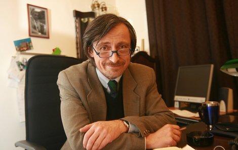 Martin Stropnický musel sklopit hlavu a vrátí se na prkna Divadla na Vinohradech.