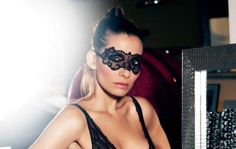 Eva Decastelo je opět sexy!